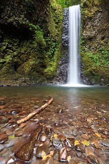 водопад на длинной выдержке с ND-фильтром