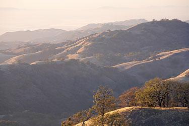 Пример многоплановой телесъёмки — гора Гамильтон, Калифорния
