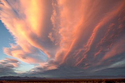 Закат поблизости от Долины Смерти, Калифорния, США
